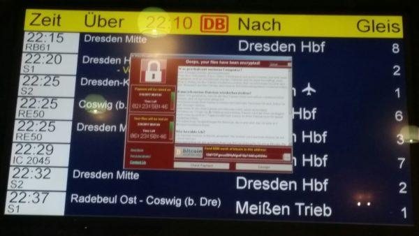 Ransomware WannaCry auf Bahnhofsanzeige